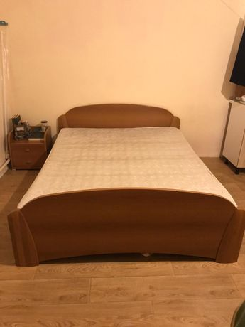 Продам кровать из массива дуба