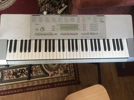 Продам синтезатор Casio LK-280