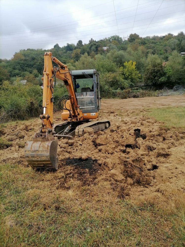 Inchiriez miniexcavator senilat Case 3,5 tone