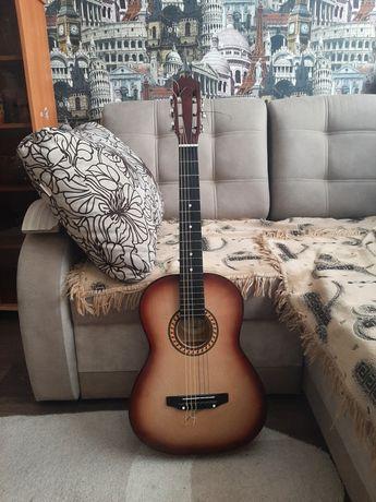 """Продам классическую гитару.  Название марки """" инженерный завод Т.И.М"""""""