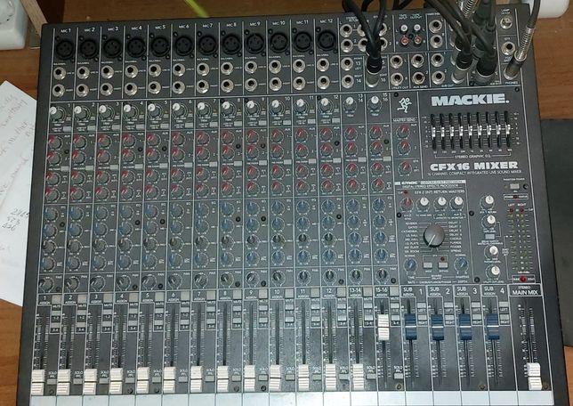 Vând Mackie CFX-16 Mixer(nu accept schimburi)