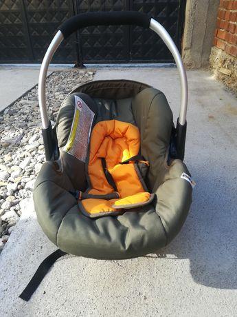 Бебешки кош за кола, шезлонг и кенгуро