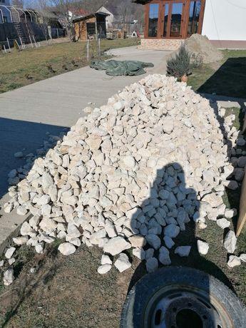 Piatra de calcar de diferite dimensiuni piatra decorativa piatra alba