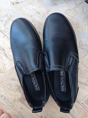 Продам туфли для мальчика,размер 31,за 4500 тенге
