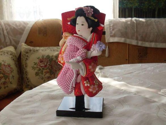 Японска кукла