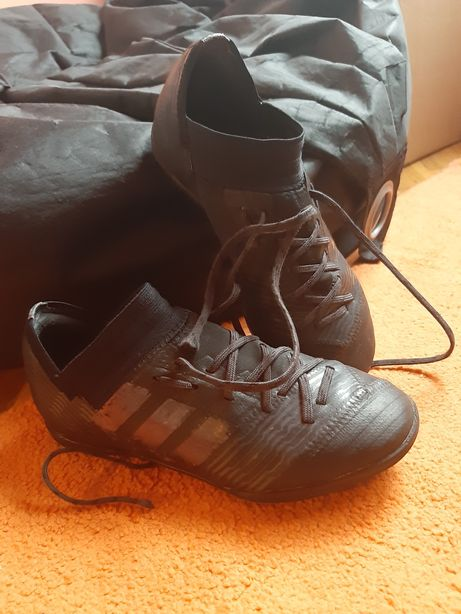 Adidas Nemesis fotbal