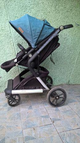 добре запазена Солидна бебешка количка Чиполино Фюжън и столче за кола