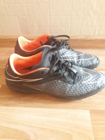 Обувь мужская, бутсы  на40-41р(на этикетке разм Европа)