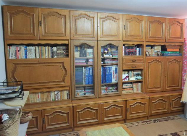 Vind mobila sufragerie / biblioteca