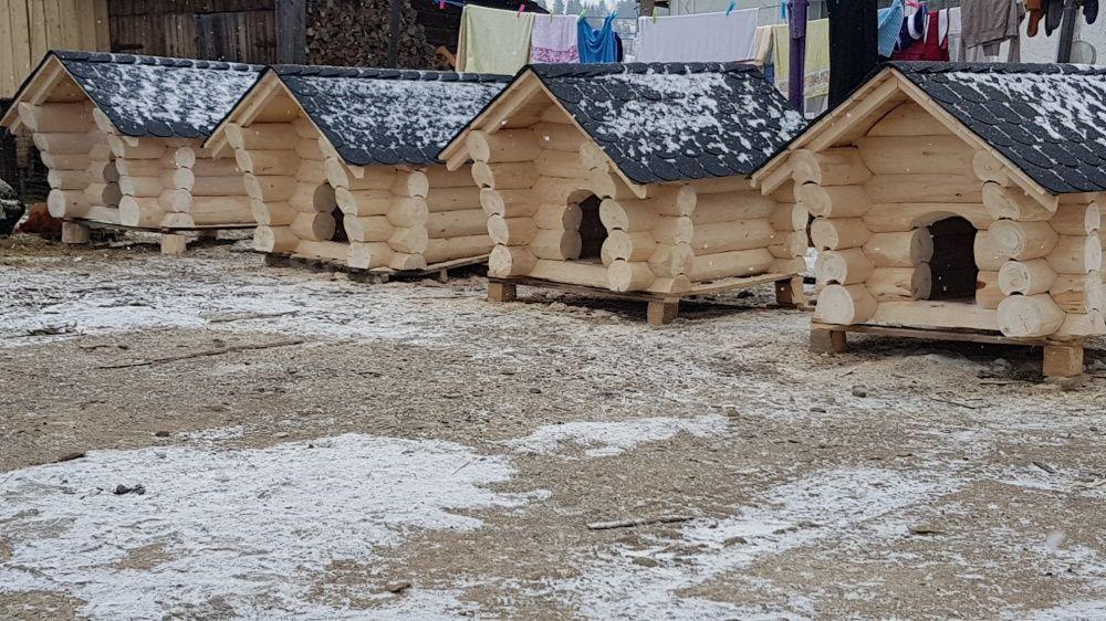 Cușca din lemn rotund