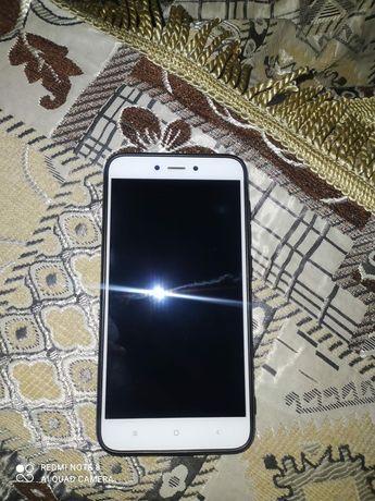 Продаю телефон Redmi 4x