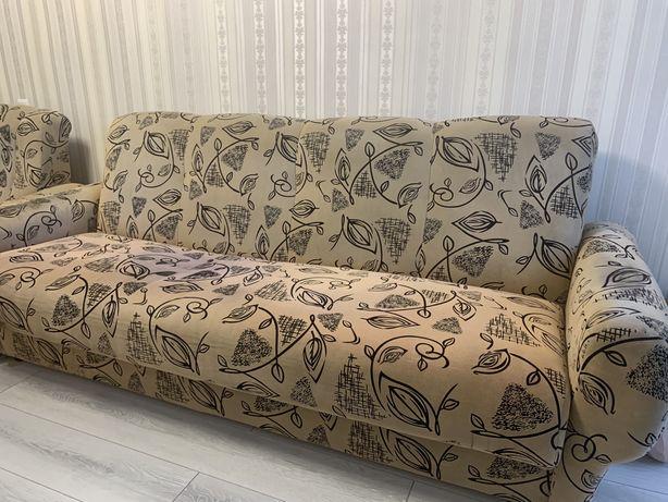 Продаю диван с 2мя креслами