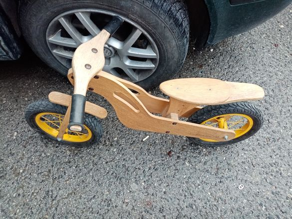 Продавам дървено колело