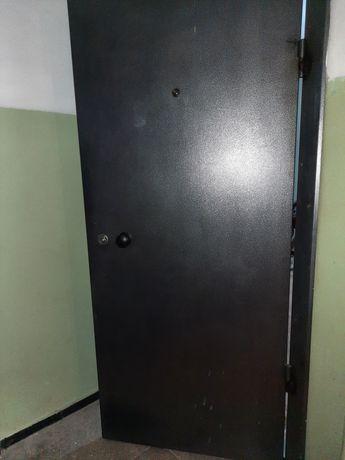 Дверь железная за 30 000тг