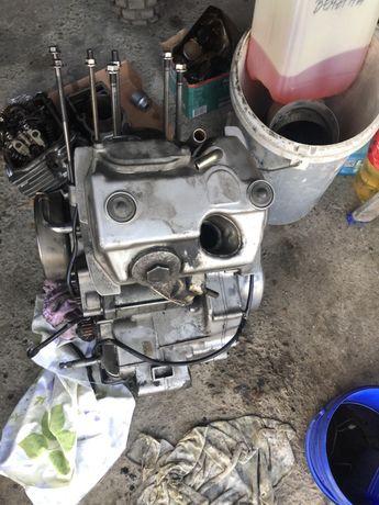Dezmembrez motor honda transalp 600