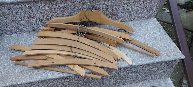 10 umerașe vechi din lemn