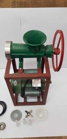 Месомелачка 32 с монофазен двигател