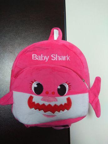 Детска раница за градина бейби акула за момиче baby shark pink