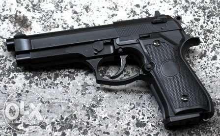 Cel mai puternic pistol airsoft full metal cu transport gratuit