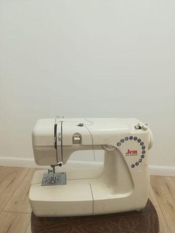 Продаётся швейная машина. Производство Япония