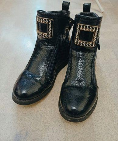 Обувь подростковая.