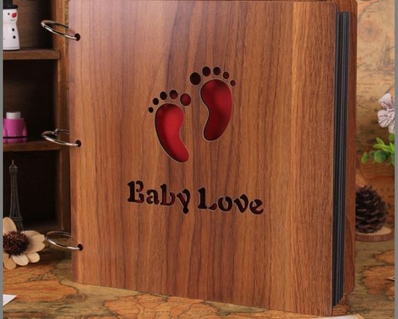 Album foto bebe din lemn