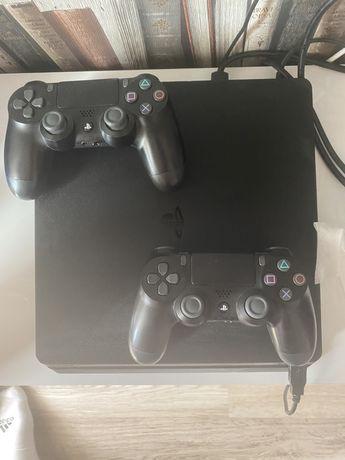 Vand PS4 SLIM 1Tb,2 joystick uri+fifa 21