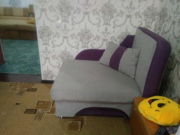 Кресло кровать с подушкой