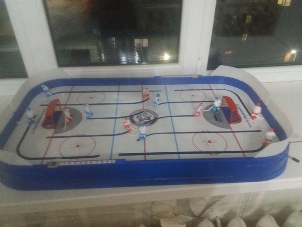Продам настольную игру хоккей