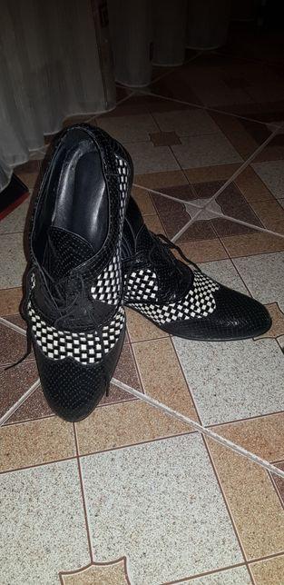 Pantofi piele nr. 38 +curea tot din piele