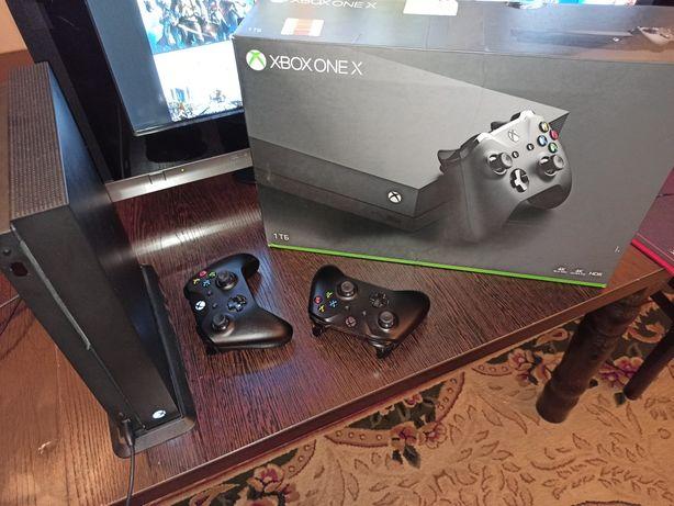 Xbox One X - 1TB (2 геймпада) + 20 игр