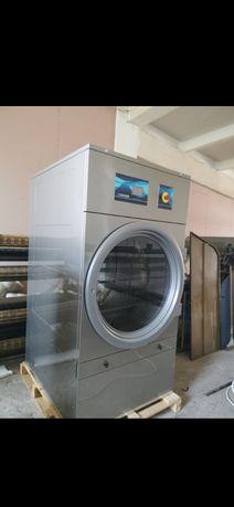 Vând mașină de spălat și uscător  profesional