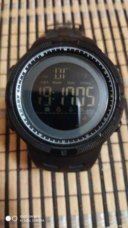 Електронен часовник Skimey