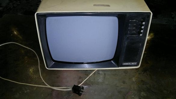 юность 402вс стар малък руский телевизор