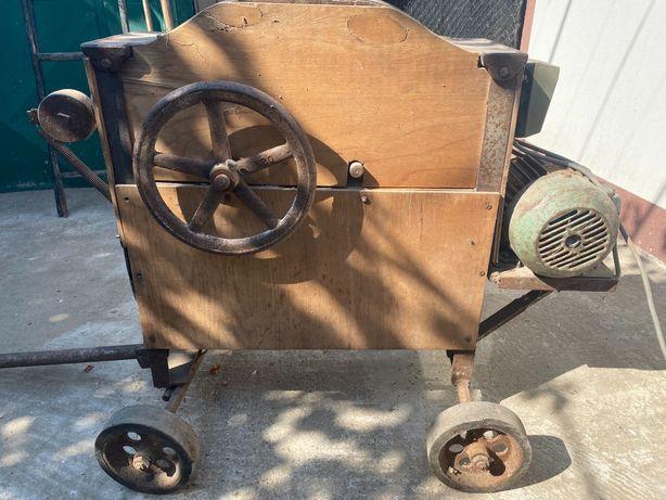 Masina electrica batut/curatat porumbul