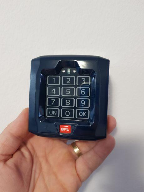 Selector digital cu tastatura touch