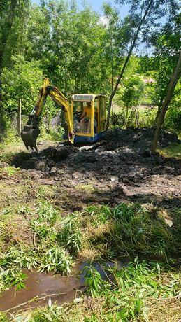 Mini excavator de inchiriat