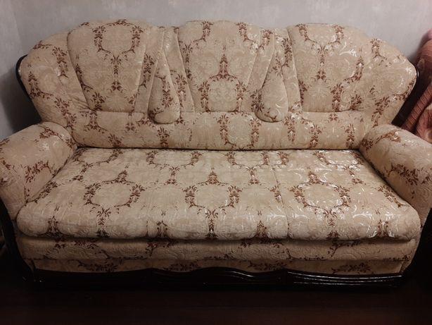 Продам симпатичный раскладной диванчик , в очень хорошем состоянии