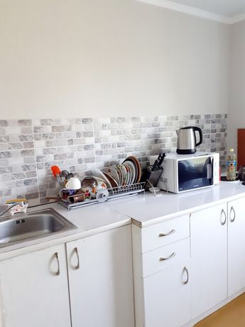 Продам кухонный гарнитур с раковиной и смесителем