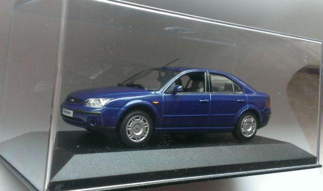 Macheta Ford Mondeo MK3 albastru 2001 - Minichamps 1/43