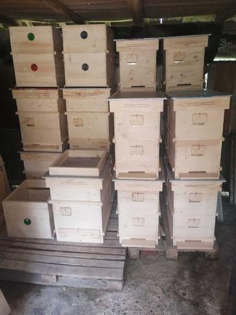 Продавам корпуси,плодници, надставки, магазини, кошери и пчел.инв.