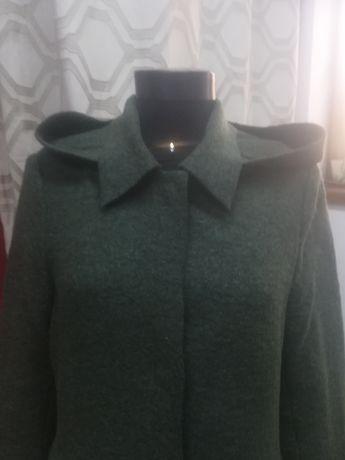 Palton de lana cu gluga