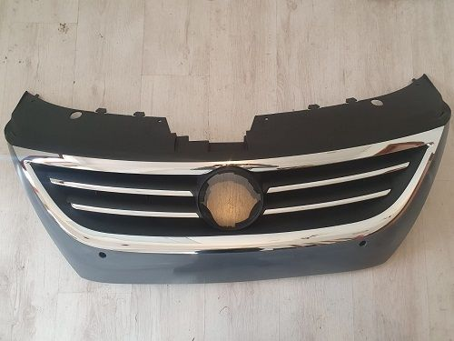 Grila radiator , cromat , locas senzor parcare VW PASSAT CC 08-