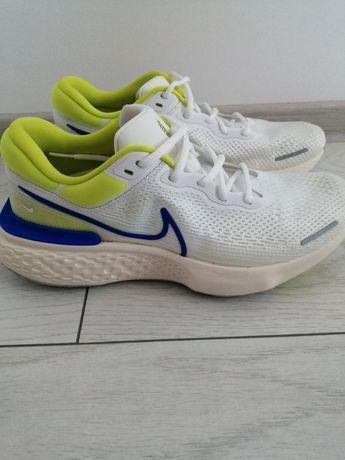 Adidași Nike ZOOMX Invincible Run Fk