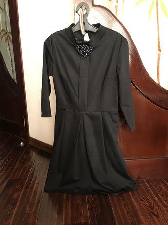 Платье и демисезонное пальто
