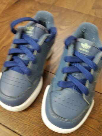Продам  кроссовки  24 размера  Адидас