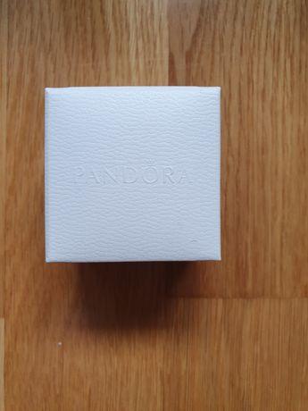 Cutiuta Pandora originala noua pentru cercei,inele