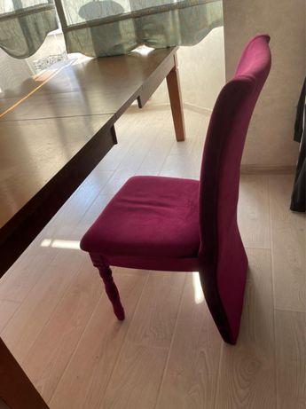 Продается стол и стулья