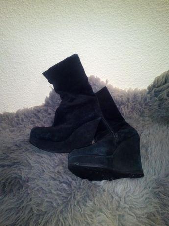 Vând cizme din piele naturala de calitate