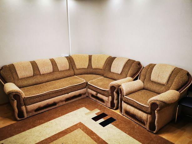 Продам диван угловой и кресло